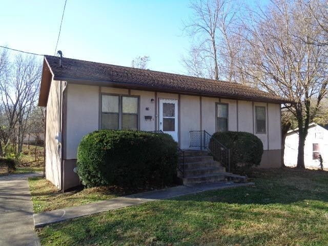 318 E Maple St Nevada, MO 64772