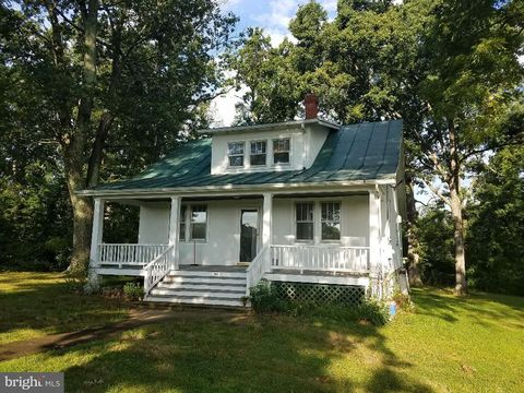 Photo of 988 Chilly Hollow Rd, Berryville, VA 22611
