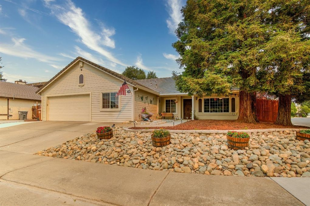 8589 Iris Crest Way Elk Grove, CA 95624