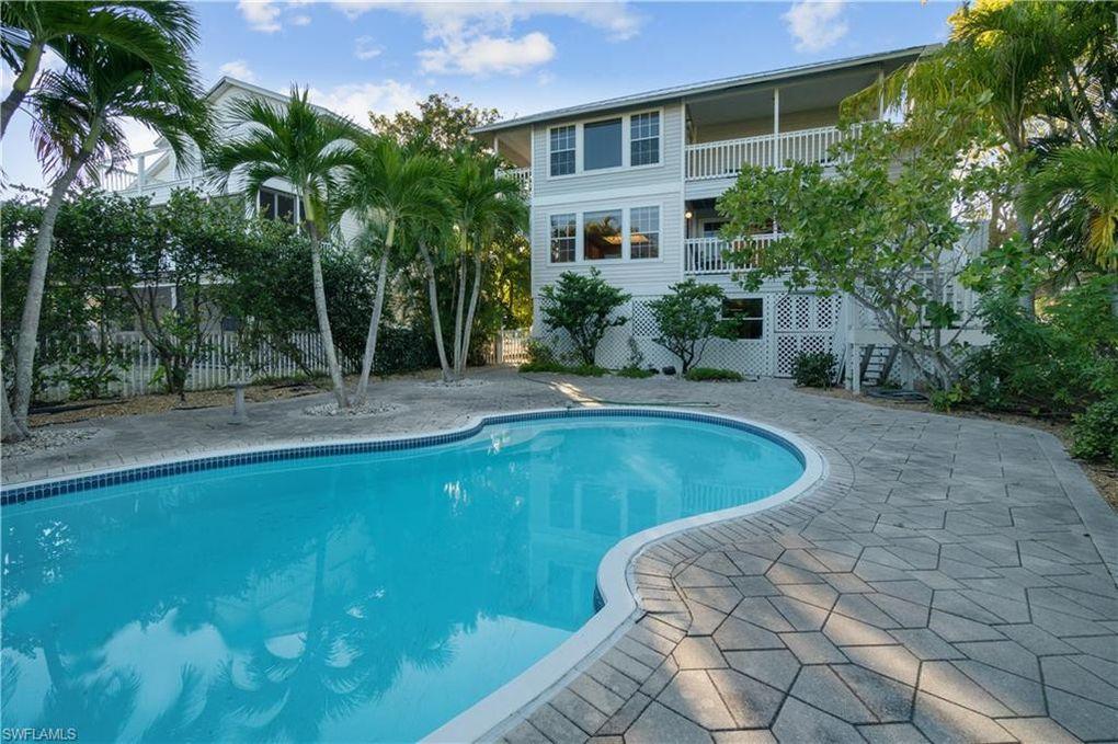 112 Sand Dollar Dr Fort Myers Beach, FL 33931