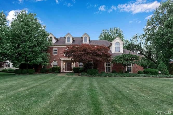 10 Four Winds Way Amherst, NY 14226