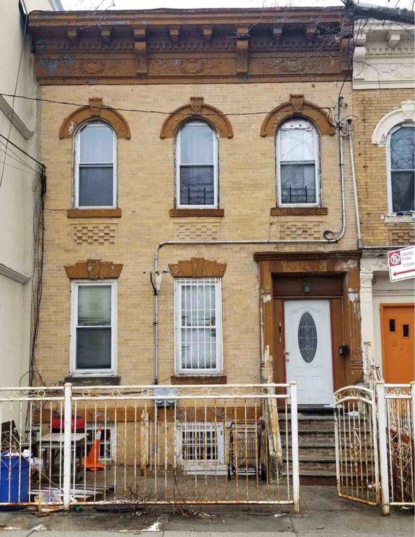 511 Hemlock St Brooklyn Ny 11208 Realtor Com