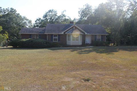 Photo of 210 Spencer St, Barnesville, GA 30204