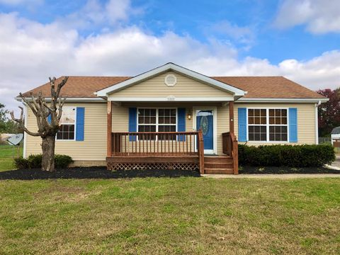Photo of 52 Meadow Ln, Hustonville, KY 40437