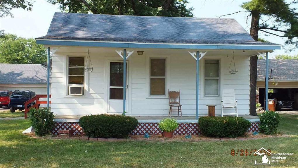 912 Dixie Ave Erie, MI 48133