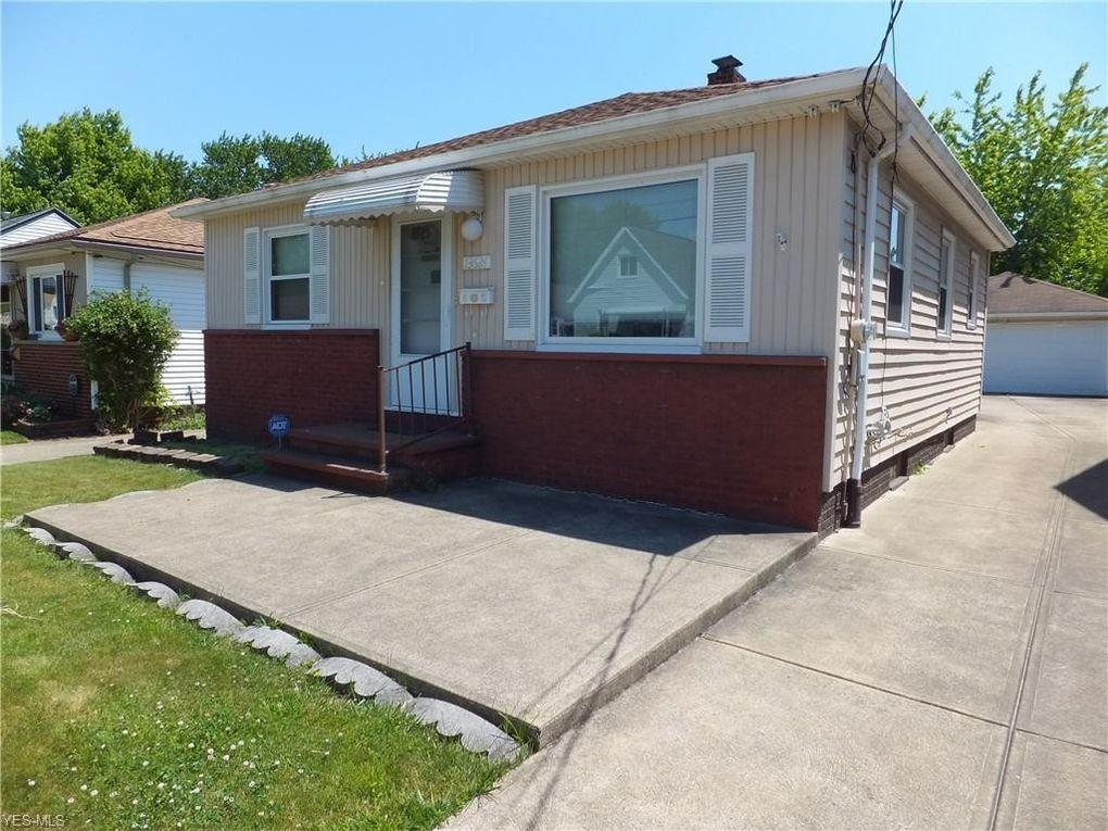 13621 Carrington Ave Cleveland, OH 44135