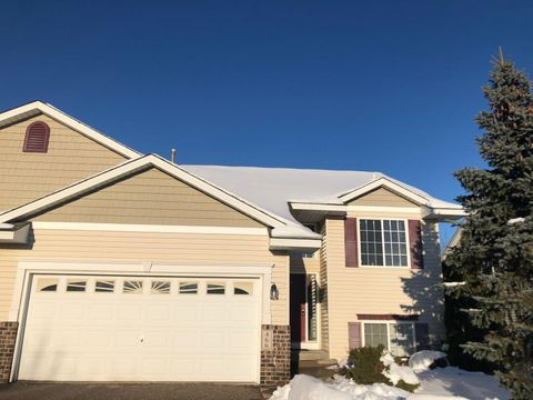 Photo of 466 Meadow Ln, Somerset, WI 54025