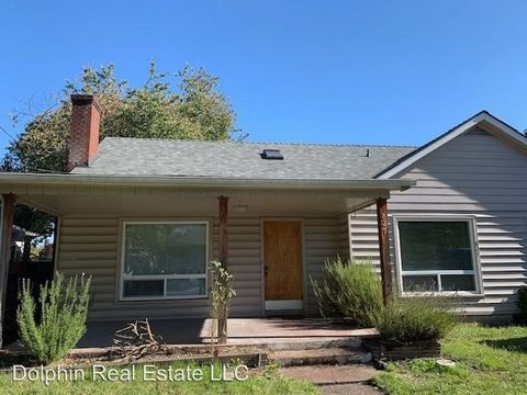 Photo of 827 Nw 10th St, Corvallis, OR 97330