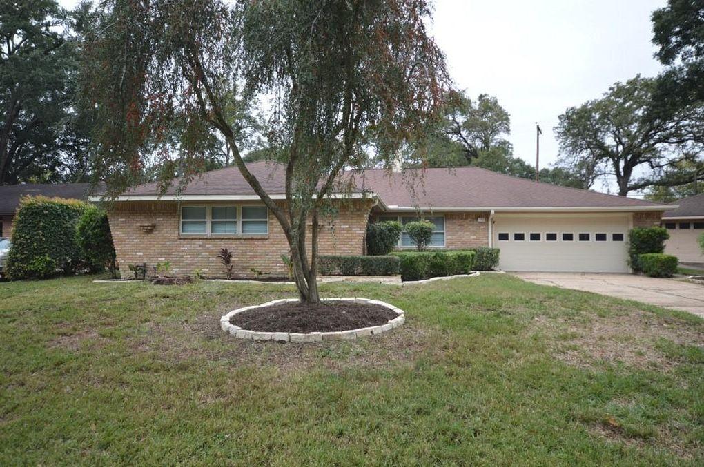 1323 Foxwood Rd Houston, TX 77008
