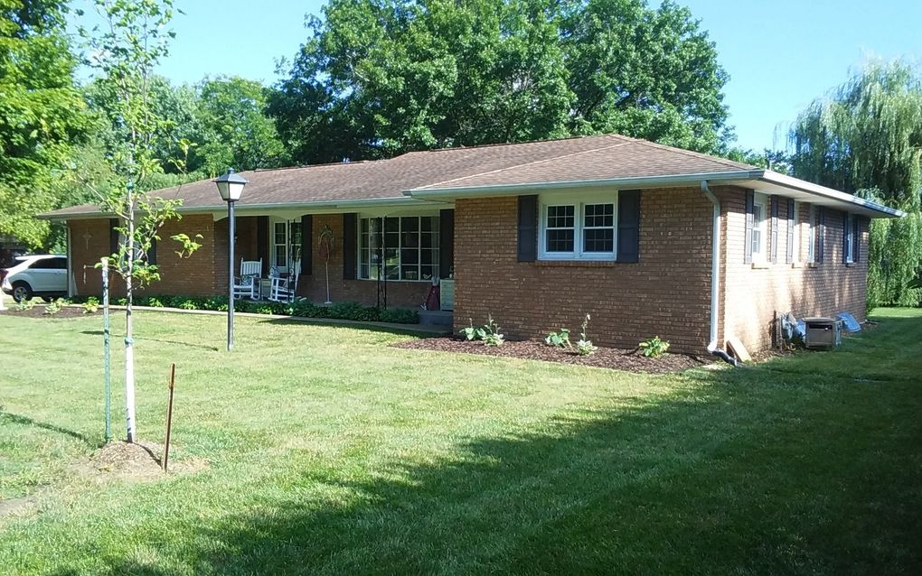 1415 E 35th St Sterling Il 61081 Realtor Com