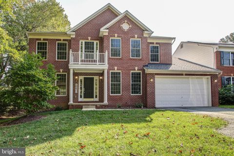 Photo of 18431 Forest Crossing Ct, Olney, MD 20832