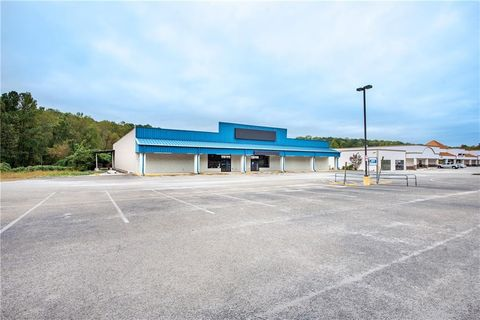 Photo of 970 E Church St, Jasper, GA 30143