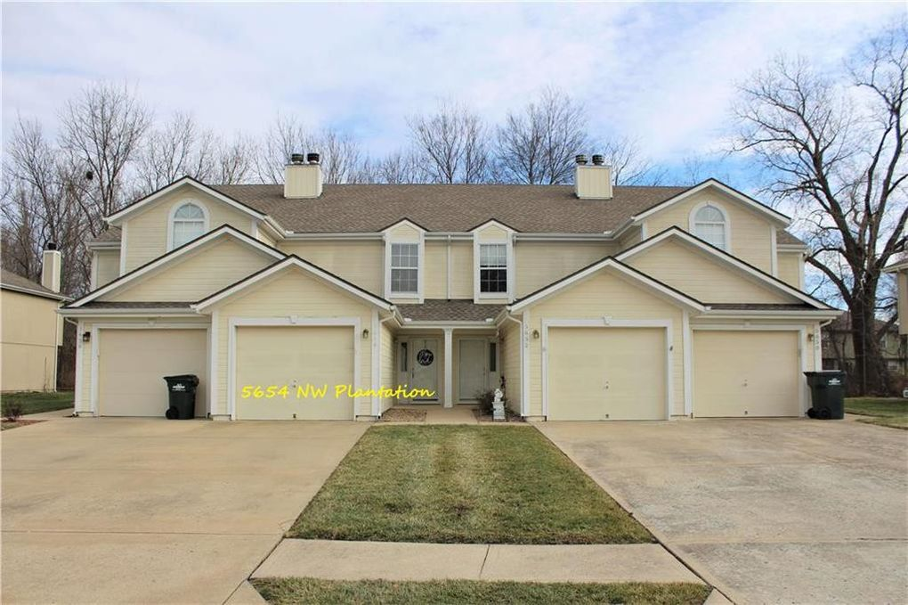 5654 NW Plantation Dr Lees Summit, MO 64064
