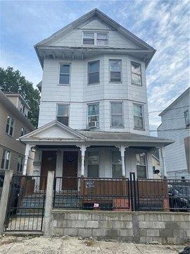 1090 Ogden Street Ext, Bridgeport, CT 06610