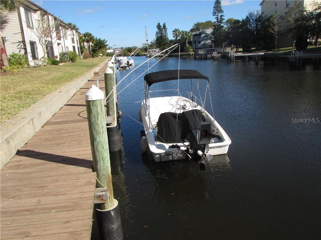 322 Moorings Cove Dr Unit 2G Tarpon Springs, FL 34689