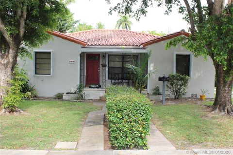 Photo of 265 Reinette Dr Unit Home, Miami Springs, FL 33166
