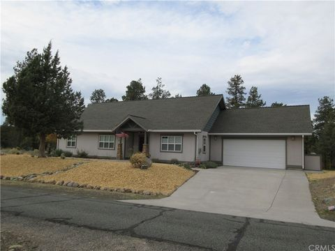 Photo of 14101 Riverside Dr, Weed, CA 96094