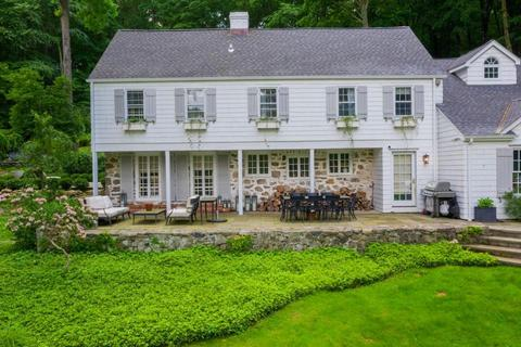 758 Valley Rd, New Canaan, CT 06840