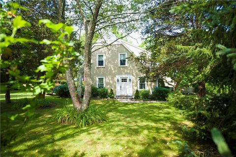 Photo of 2 Scull St, Jamestown, RI 02835