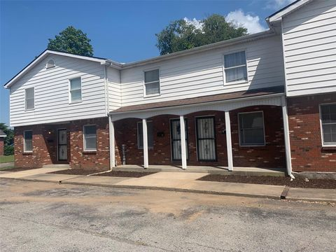 Photo of 308 N Prairie St, Sikeston, MO 63801