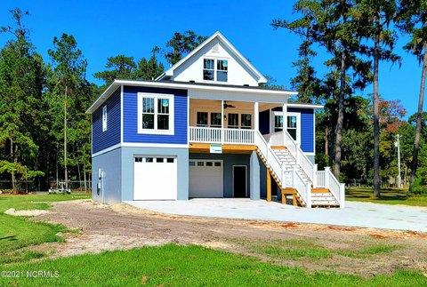 102 Mallard Creek Dr, Washington, NC 27889