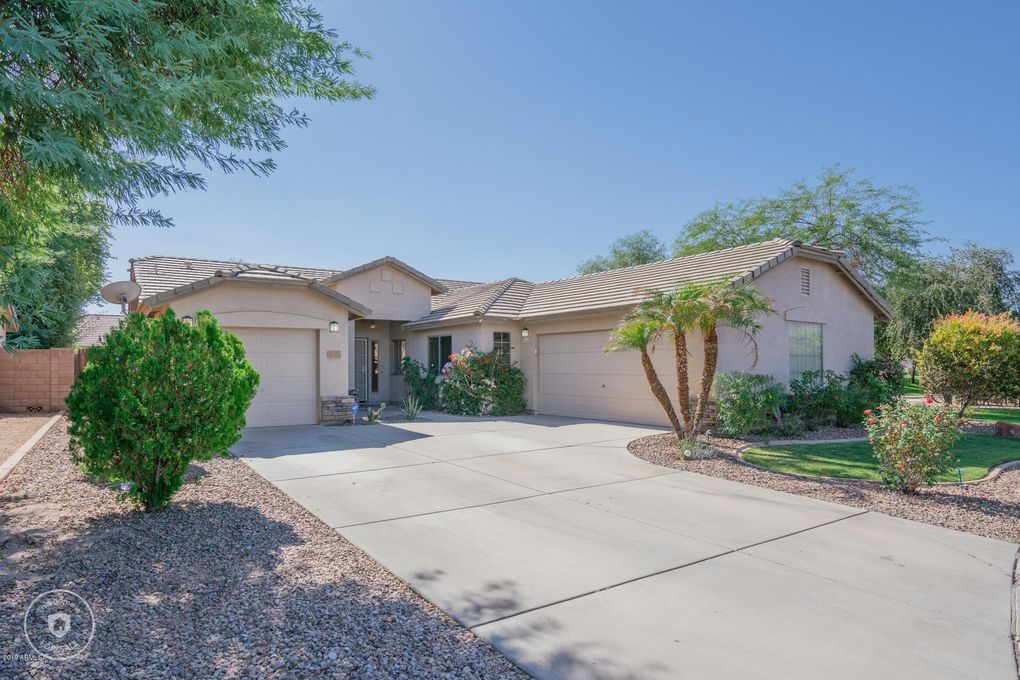 15285 W Crocus Dr Surprise, AZ 85379