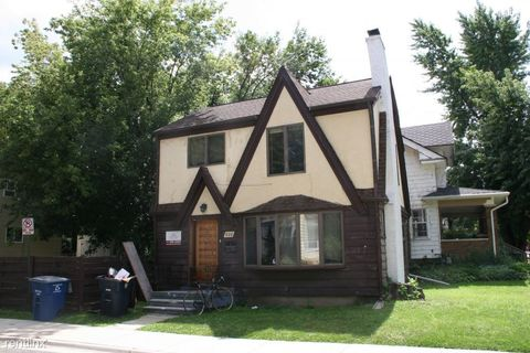 Photo of 800 Sylvan Ave, Ann Arbor, MI 48104