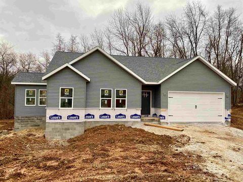 Photo of 7216 W Mustang Dr, Ellettsville, IN 47429