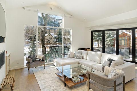 Photo of 100 Park Ave, Aspen, CO 81611
