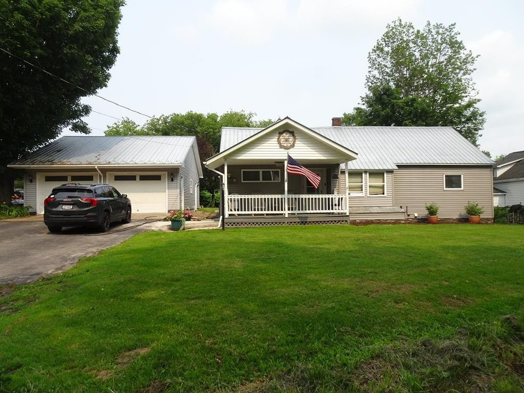 28 County Route 35 Chateaugay, NY 12920