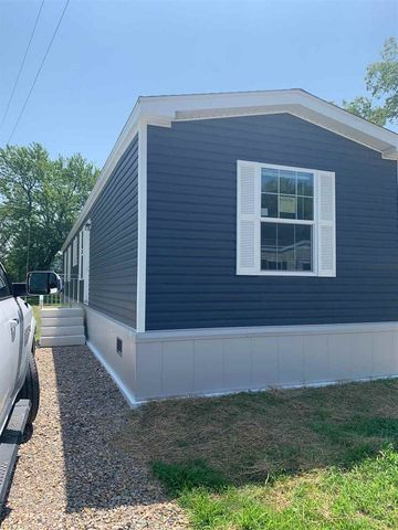 Photo of 25 Camels Hump Ave, Colchester, VT 05446