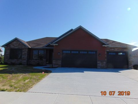 Photo of 239 W Queens Creek Dr, Frankenmuth, MI 48734