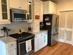 4824 Bryce Ave, Fort Worth, TX 76107 - Kitchen