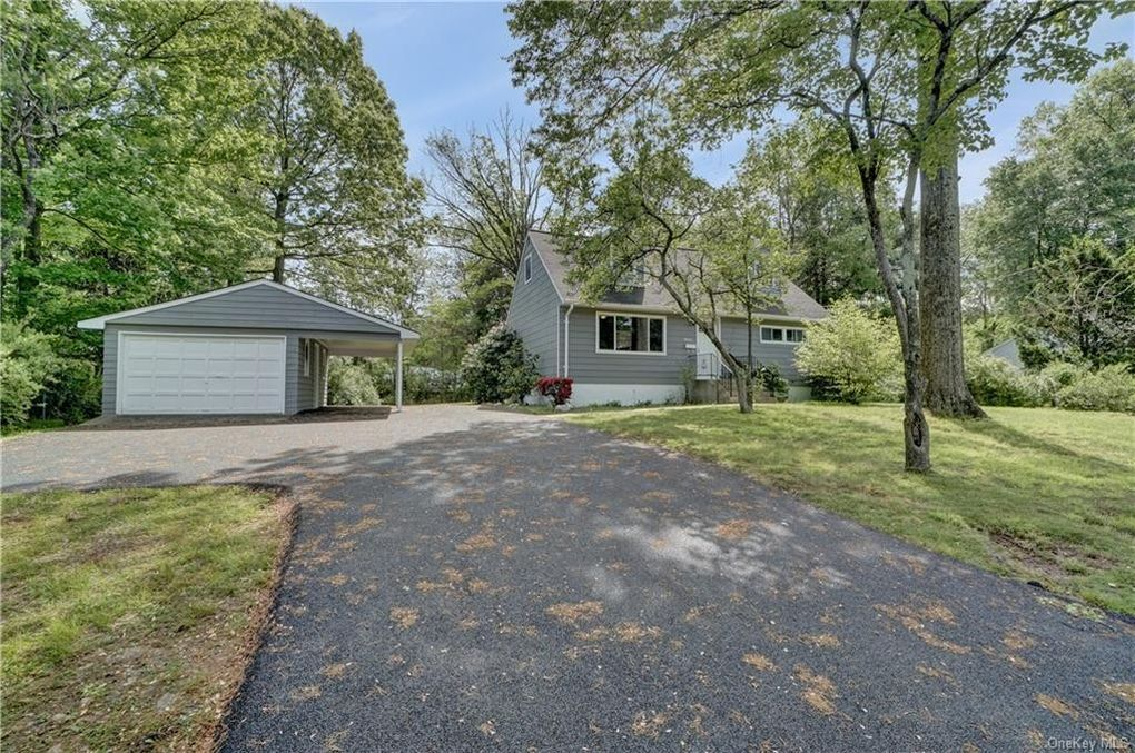 13 Homestead Ln New City, NY 10956