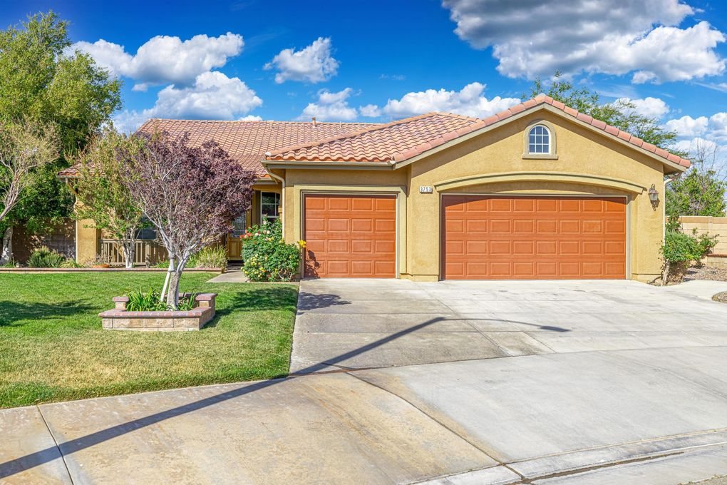 3753 W Norberry St Lancaster, CA 93536