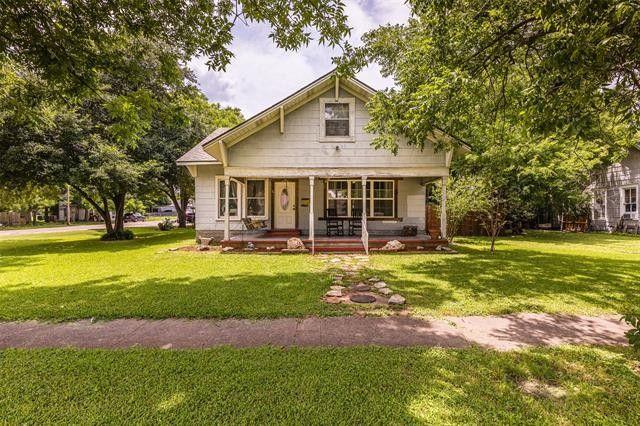 210 S Davis St West, TX 76691