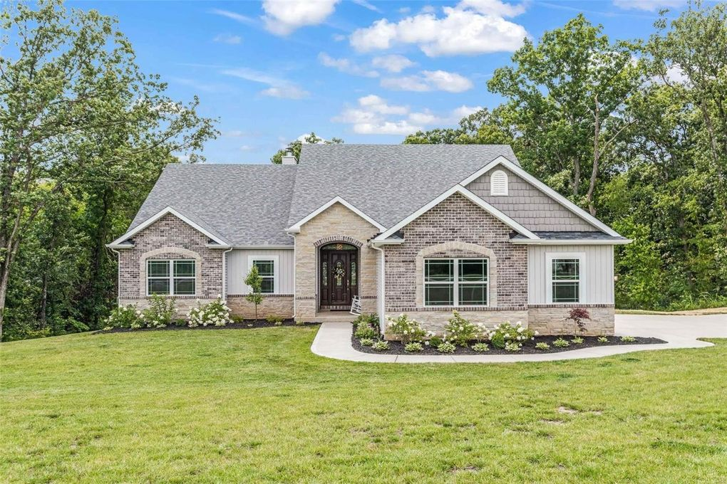 231 Lake Forest Dr Troy, MO 63379