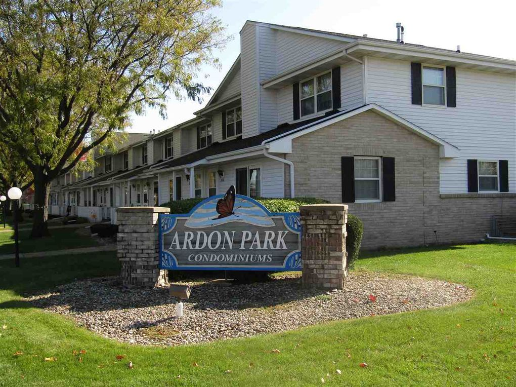 2112 Holiday Dr Janesville, WI 53545