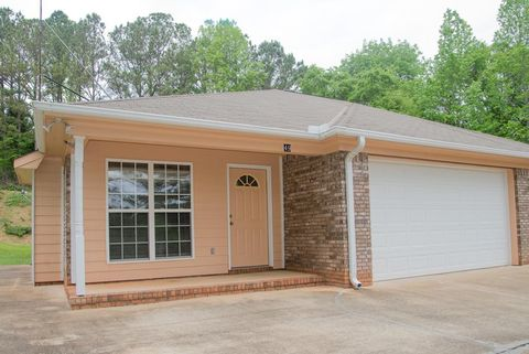 Photo of 49 Kaitlyn Ct, Hamilton, GA 31811