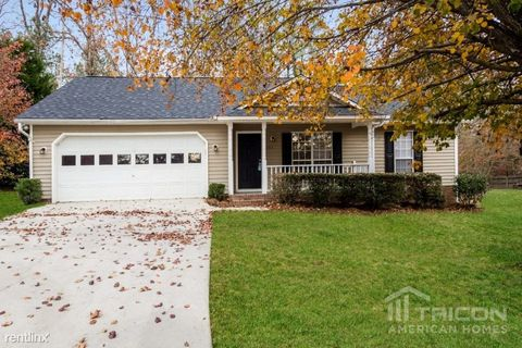 Photo of 172 Northshore Dr, Chapin, SC 29036
