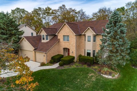 Photo of 5228 Forest Run Dr, Dublin, OH 43017