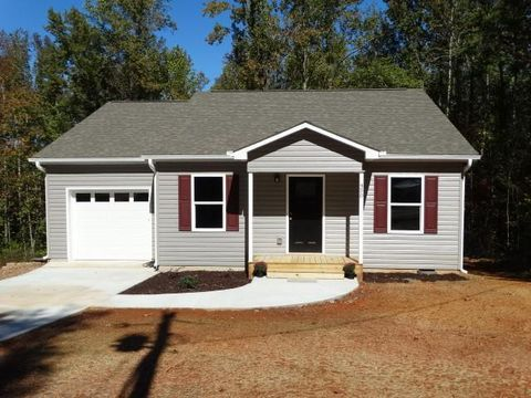 Photo of 450 Cedar Tree Dr, Walhalla, SC 29691