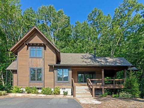 Photo of 4140 Lake Forest Dr, Tuckasegee, NC 28783