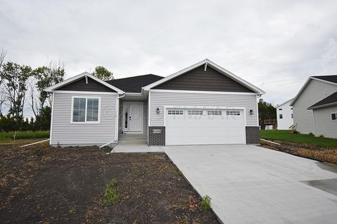 Photo of 6280 58th St S, Fargo, ND 58104