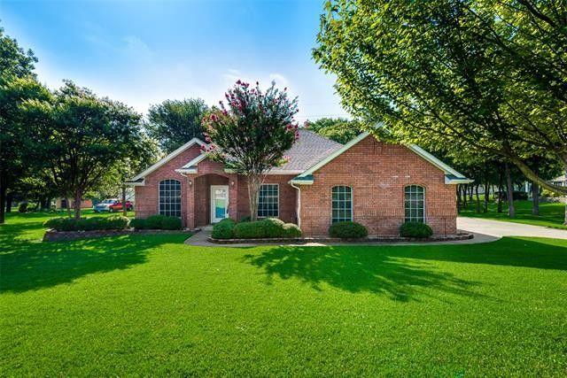 216 Lakeside Oaks Cir Lakeside, TX 76135