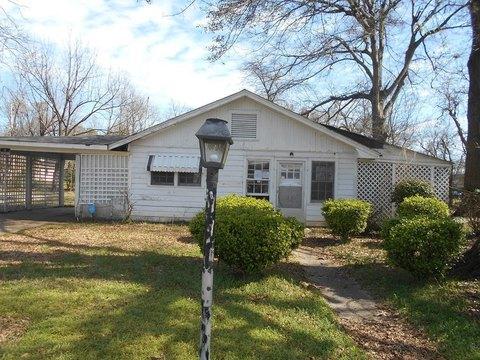 Greenville Ms Real Estate Greenville Homes For Sale Realtor Com