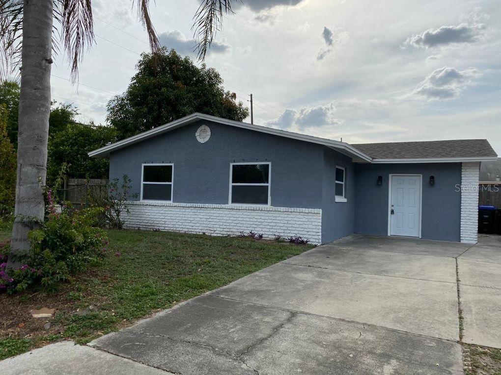 1018 Amaros Ave Orlando, FL 32811