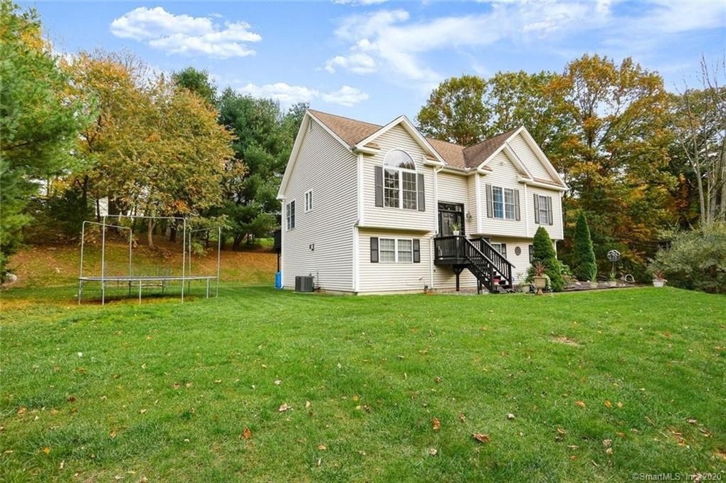 73 Holbrook Rd Seymour, CT 06483