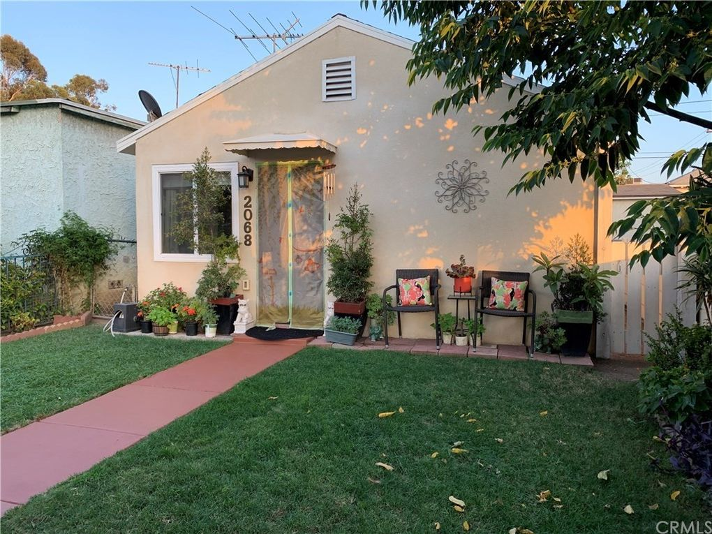 2068 Cowlin Ave Commerce, CA 90040