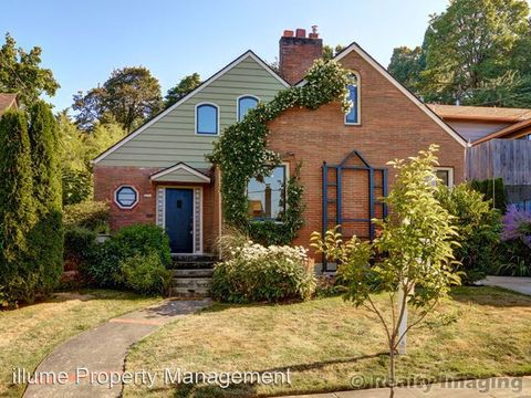 Photo of 2774 Nw Raleigh St # P, Portland, OR 97210